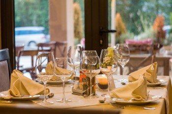 restaurant_prostreno-449952_pixabay